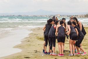 Team building entre collègues à la plage